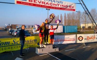 Veerle Goossens 3e in Omloop van Strijen