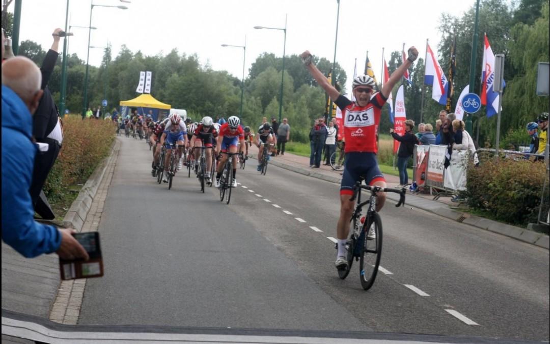 Hidde van Veenendaal wint in Maren-Kessel