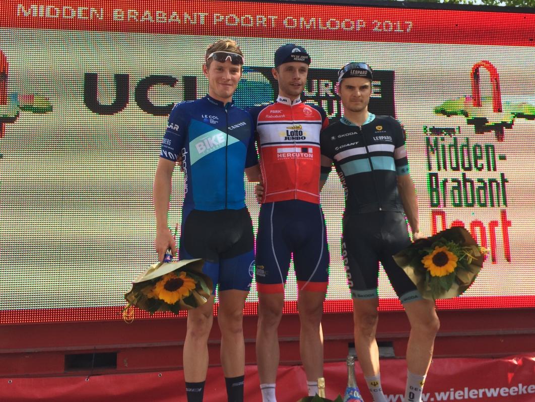 20 Midden-Brabant Poort Omloop podium met winnaar Jaap Kooijman
