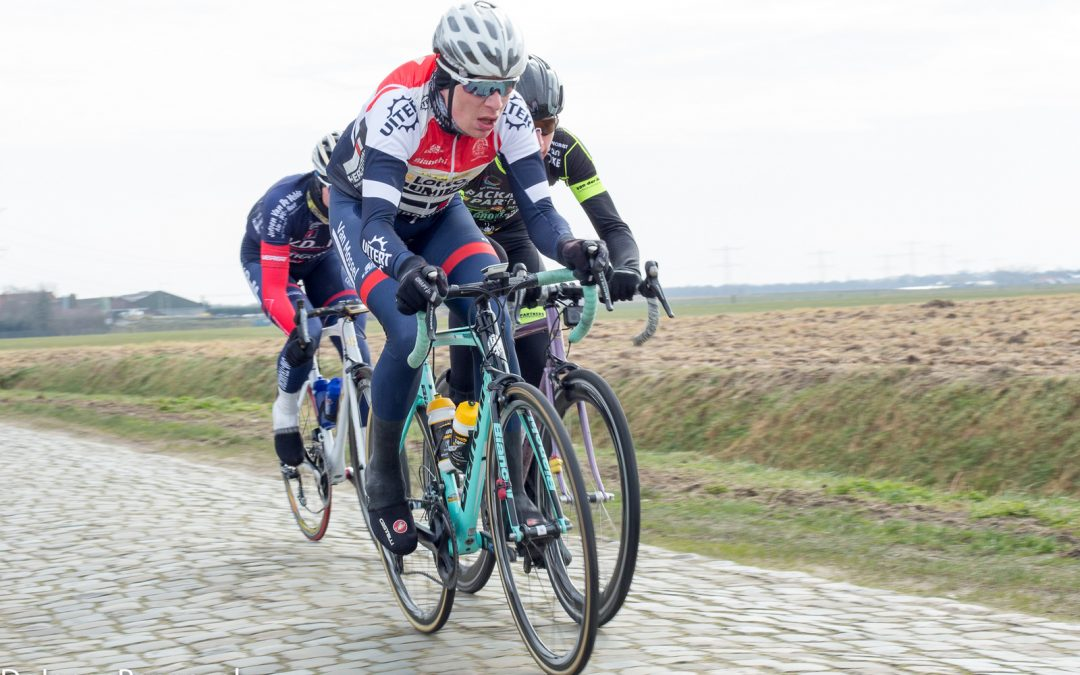 Schulting wint loodzware Omloop van de Houtse Linies