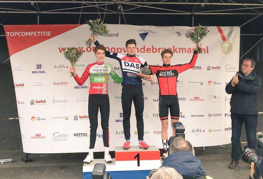 Junior Mauro Spapen wint Omloop van de Braakman