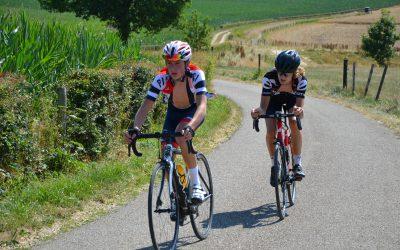 Jeugd DJR geniet en ziet af in de heuvels van Zuid-Limburg.